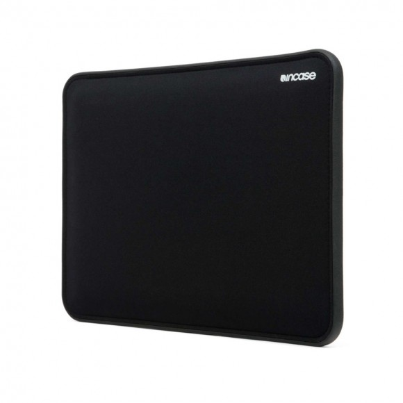 cl60518-mbp15-impct-blck-hero1-web_1